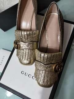 Gucci 唸住買大一個碼會舒服D,着左幾個鐘實左招架不住。