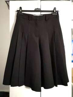 Carven pleated shorts 百摺裙褲 (sold with original hanger)