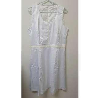 The MOD HOUSE cream white bridal dress