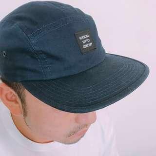 🚚 ‼️降價‼️  HERSCHEL🧢二手👉深藍色透氣立體剪裁潮牌五分割滑板帽