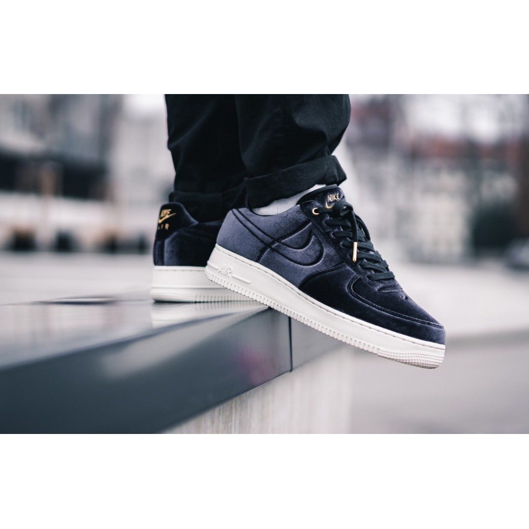 8644c45002 Authentic Air Force 1 Premium Velour Black Gold, Men's Fashion, Footwear,  Sneakers on Carousell