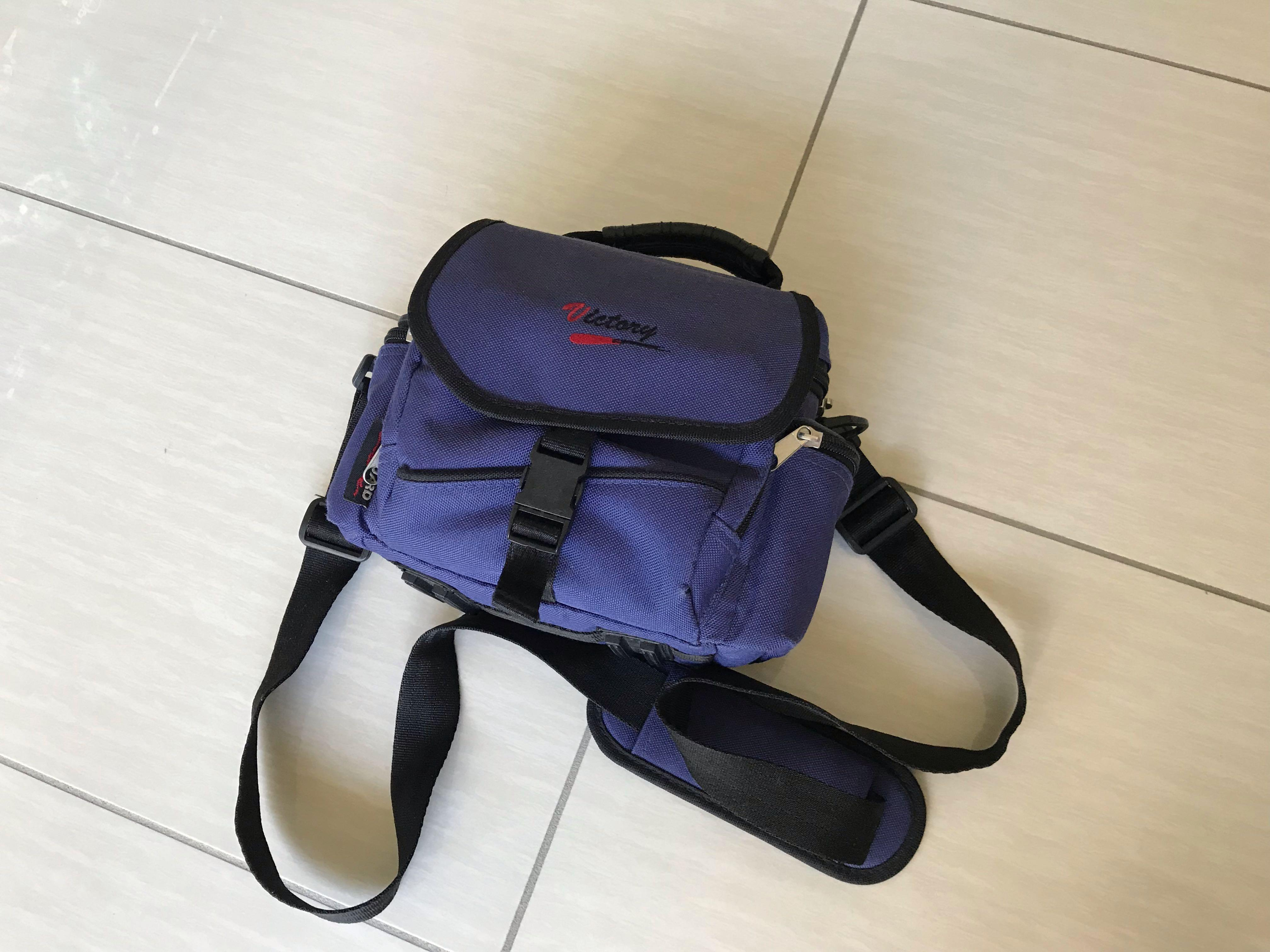 FILM SLR 📸 Canon EOS 300   28–80mm lens   comes with bag