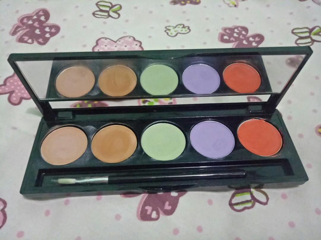 Make Over Camouflage Cream Face Concealer