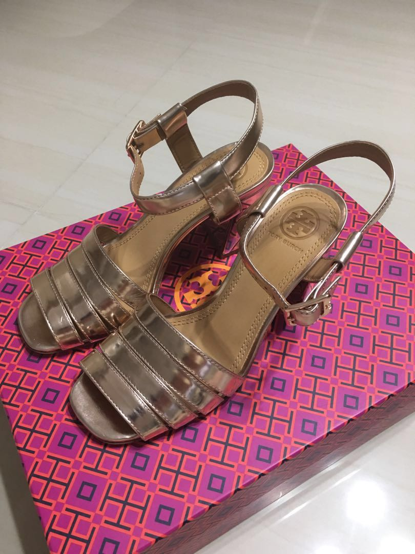 6018a10befb Relocating Clearance ! Tory Burch Shoes