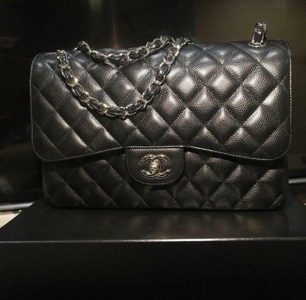 Reprice! Excellent cond Chanel classic jumbo black cav shw Seri 19 complete set with copy receipt
