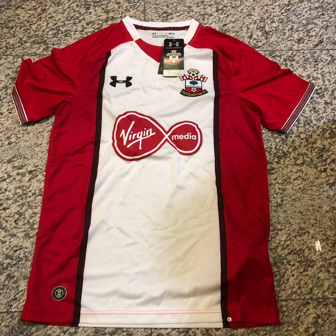 2e972ba15 Southampton FC 2017/18 Home Jersey, Sports, Sports Apparel on Carousell