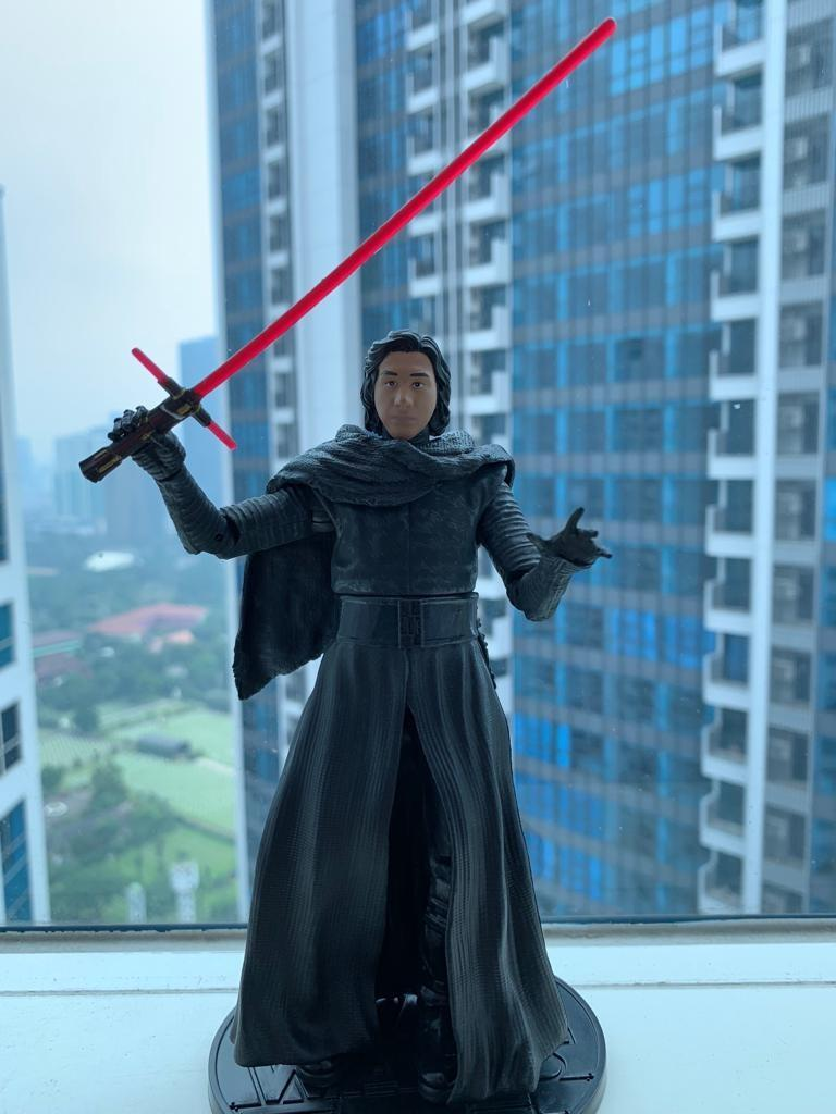 Star wars elite series kylo ren (with box)