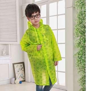HK$58/1件, HK$100/2件 ~ 全新綠色兒童雨衣, 小學生雨衣, 附設書包位, 款式新, 方便攜帶 Kids Raincoat