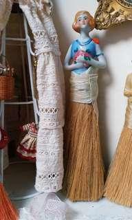 歐洲古董娃娃陶瓷碎粉掃
