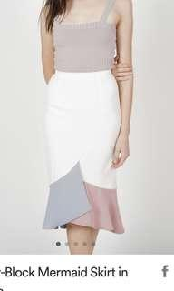 🚚 MDS White Color-Block Mermaid Skirt