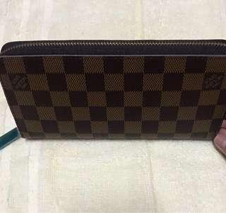 LV Womens Long Wallet (one zip)
