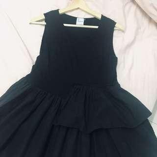 Irregularity sleeveless black dress