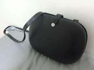 真皮黑色圓形個性側背小包