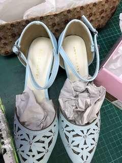 全新]日本jellybeans鏤空尖頭235/37/包頭涼鞋跟鞋M號23/36氣質夏天花花拖鞋女鞋扣帶