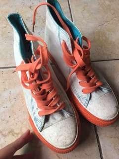 Thrift shop / thrift shoes / Vintage shoes