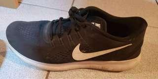 Men's size 12 Nike runners