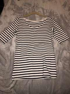 BRAND NEW GAP top size S