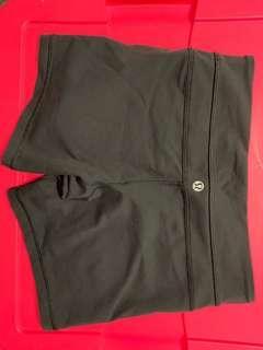 Black Lululemon Shorts NO Pocket Size 4