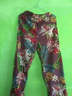 Celana pantai floral