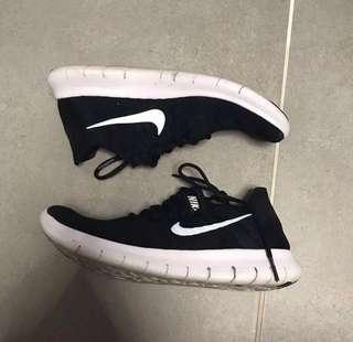 Nike 跑鞋 黑色