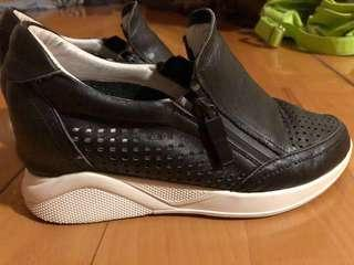 Fortei genuine leather walking shoes (hidden heal shoes)