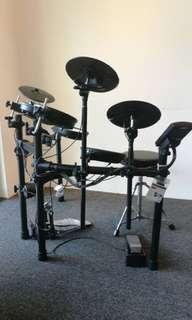 Roland digital drum TD1DMK v drum