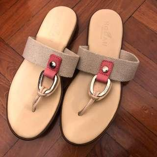👡Hogan Flip Flops with Canvas Strap and Leather/Rubber Sole👡