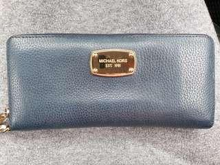 🚚 Original Michael Kors long leather wallet (navy blue)