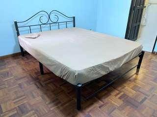 🚚 King and Queen size bed with mattress