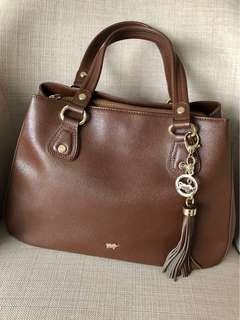 🚚 Braun Buffel handbag