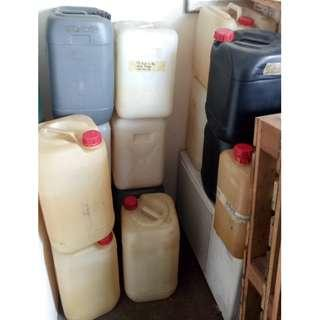 Used Plastic Jerry Can (30L)