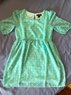 🚚 Mint Green chiffon dress in size 6/7