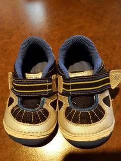 Stride Rite baby rubber shoes Super Sale 💙