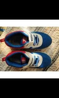 🚚 經典兒童運動鞋