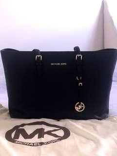 Michael Kors Jet Set Large Black Tote
