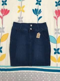 Denim Skirt (USA 10 / EUR 40 / MEX 30)