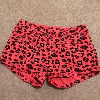 🍎 Hot Pink Leopard Print Shorts
