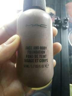 Mac face and body fondation