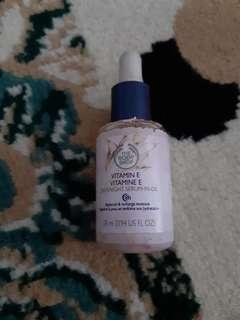 The Body Shop Vitamin E Overnight Serum In Oil