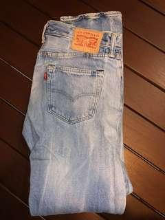 4 Levi's Jeans for sale - sizes 30 x 32 in ($30 each )
