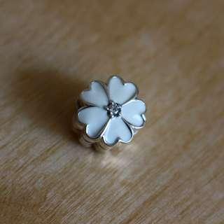 AUTHENTIC Pandora White Primrose Clip Charm [Sterling Silver 925 ALE White Enamel & Clear Cubic Zirconia]