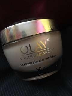 Olay White Radiance Light Perfecting Night Cream