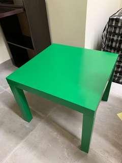 IKEA 正方形桌子