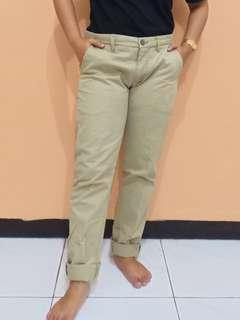 Woman's Nude Khaki Pants