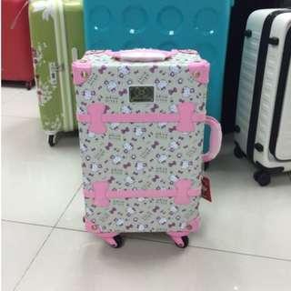 阿豪 日本直送 Sanrio Original 原裝正貨 Hello kitty行李箱 20寸全新 (限量1個)
