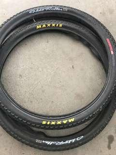 Maxxis holy roller 26x2.2x2pcs