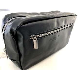 [CK] Calvin Klein pouch (Authentic)