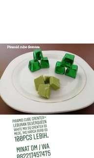 Coklat piramid greentea