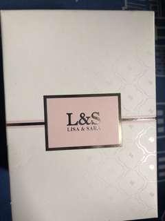 lisa and sara perfume