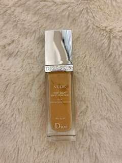 🚚 Dior 輕透光裸膚粉底液 SPF15 色號021